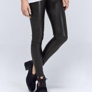 Aritzia Wilfred Free pleather leggings size medium
